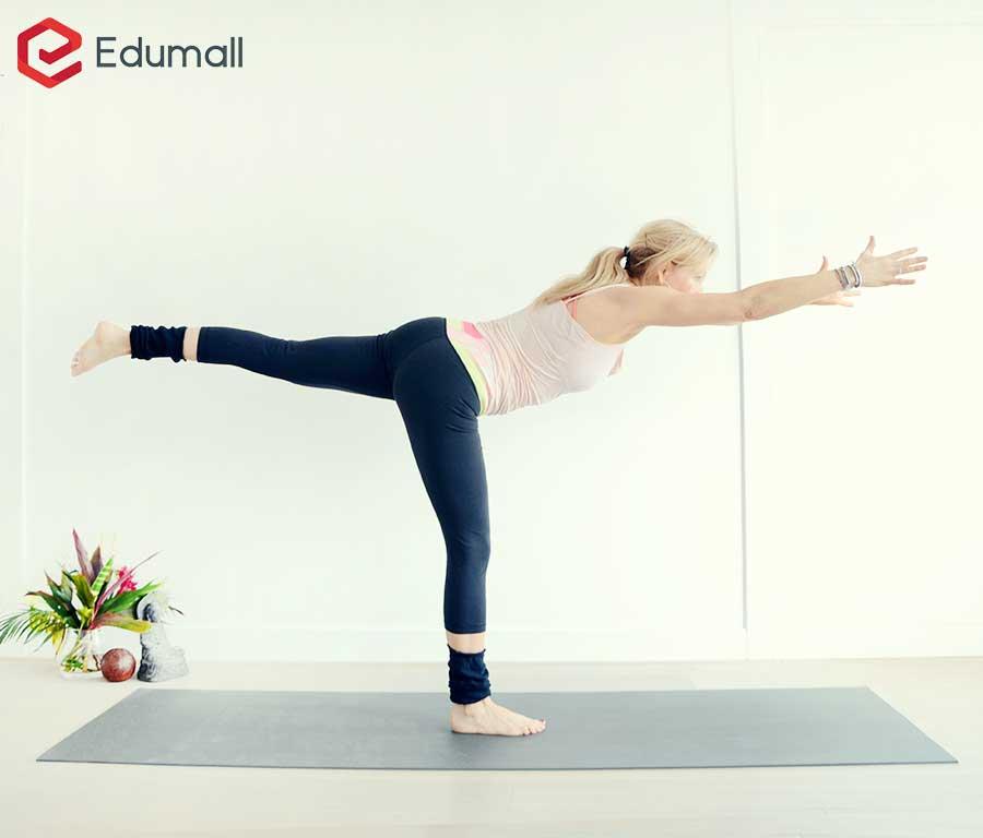 yoga tư thế chiến binh số 3